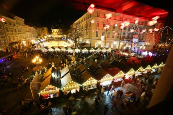 Стало відомо, скільки львів'ян готові святкувати Різдво 25 грудня