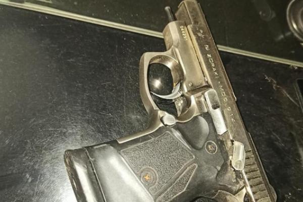У Львові чоловік зі зброєю пограбував пенсіонерку
