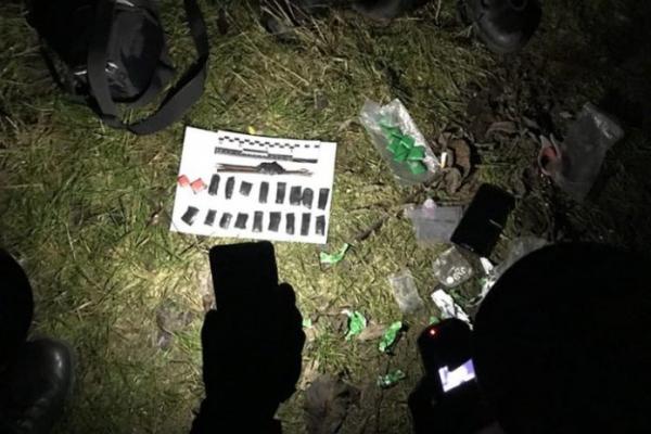 «Фотографую квіточки!»: правоохоронці затримали львів'янина, який робив «закладки» наркотиків