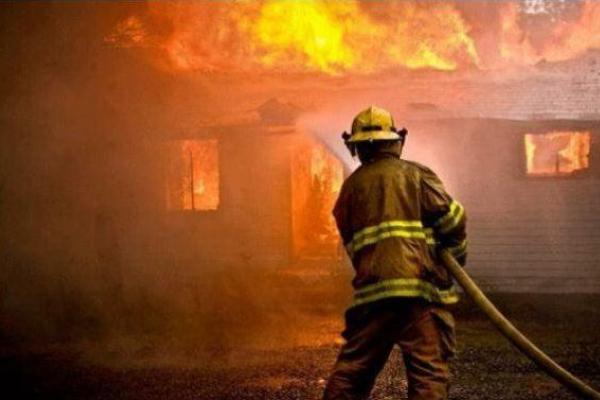 На Львівщині після пожежі в будинку знайшли тіло власника