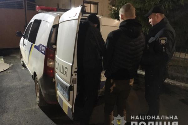 На Львівщині юний племінник кинувся з ножем на вітчима