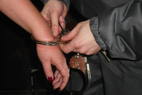 У Львові п'яна донька із своїм чоловіком побила матір