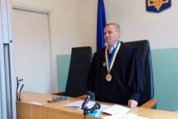 Суддя зі Львівщини, якого судять за хабар, вдруге взяв на лапу