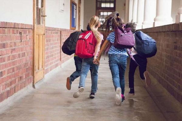 В Україні почали штрафувати за шкільні прогули. Названі суми