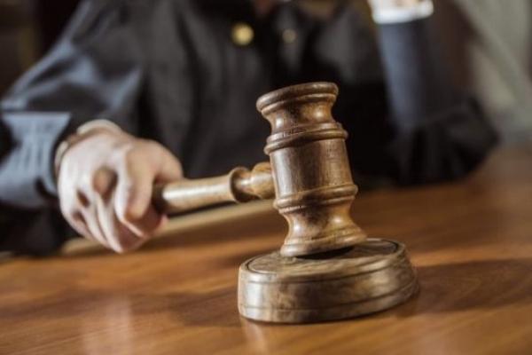 Луганчан, що пограбували у центрі Львова чоловіка, відправили під суд