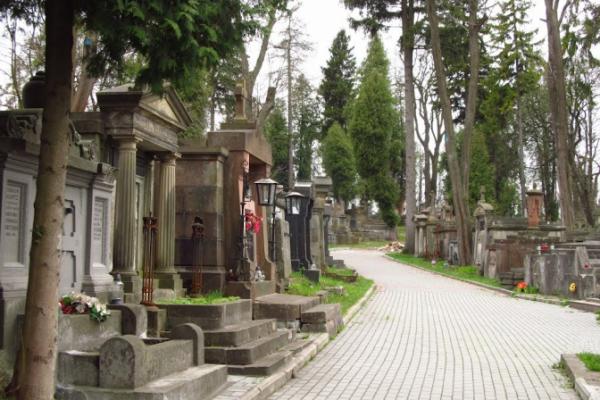 Ритуальні послуги: Помирати у Львові стане дорожче