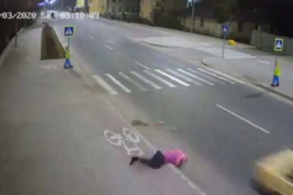 На Львівщині розшукали водія, який збив працівницю комунального підприємства