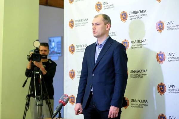 На Львівщині є 180 вільних апаратів штучної вентиляції легень, – Васько