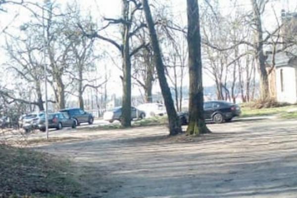 Вбивство у Львові: тіло знайшли на дитячому майданчику під Високим замком