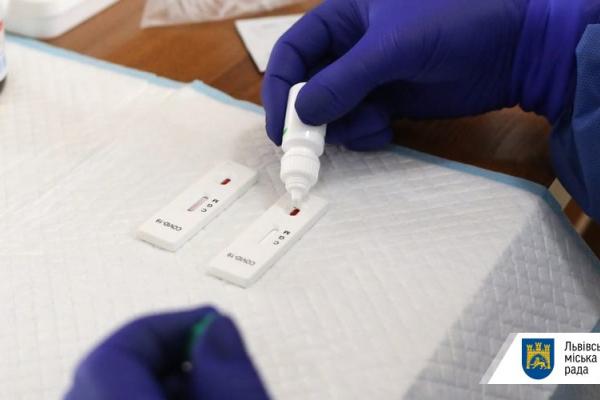 Ще у двох водіїв львівського АТП-1 виявили інфікування коронавірусом