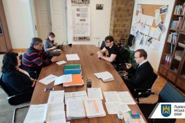 У Львові протестують на COVID-19 працівників ІТ-сфери