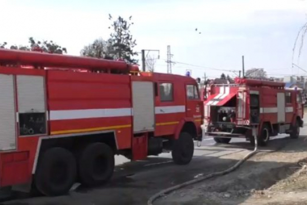 На Львівщині згоріли три будівлі та два автомобілі (Відео)