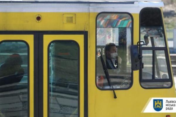 Хворим, які потребують хіміотерапії та гемодіалізу, дозволили проїзд у громадському транспорті