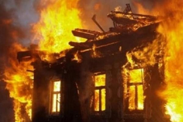 У Червонограді згоріло 10 дерев'яних дачних будинків