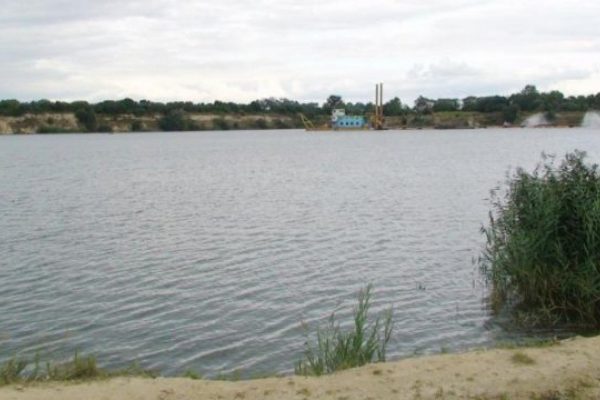 На Львівщині 29-річний чоловік втопився у кар'єрі