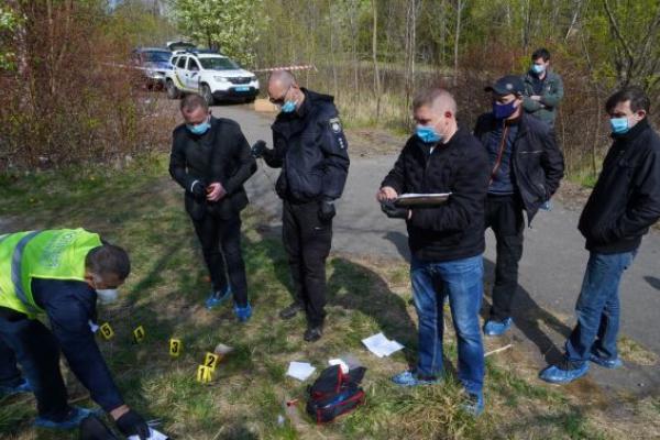 У Львові на території закинутої військової частини вбили 38-річну жінку