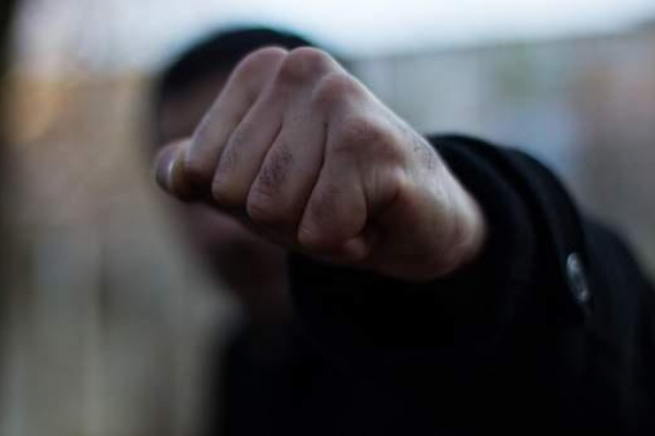 Трьом ймовірним хуліганам загрожує 4 років неволі за побиття людей