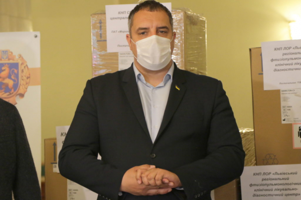 Львівщина закупила шість висококласних апаратів штучної вентиляції легень