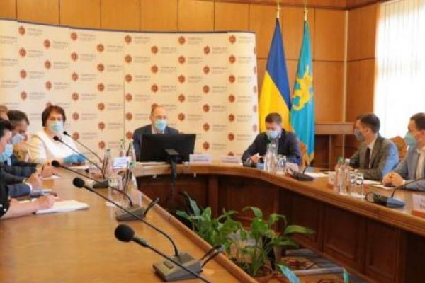Шмигаль не дозволив послабити карантин у Львівській області