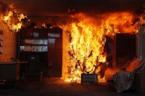 У Львові гасили пожежу на шостому поверсі дев'ятиповерхівки