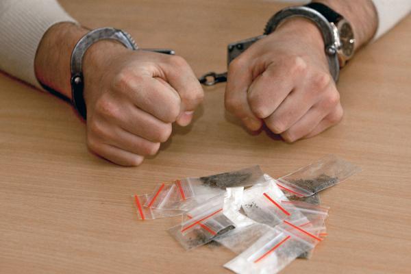 На Львівщині припинено діяльність злочинної групи, яка торгувала наркотиками