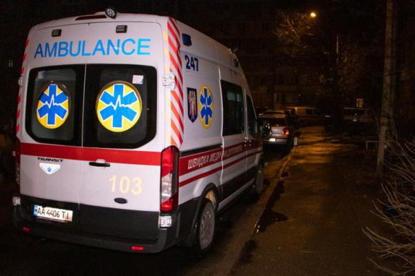 У Львові п'яна компанія напала на бригаду швидкої допомоги