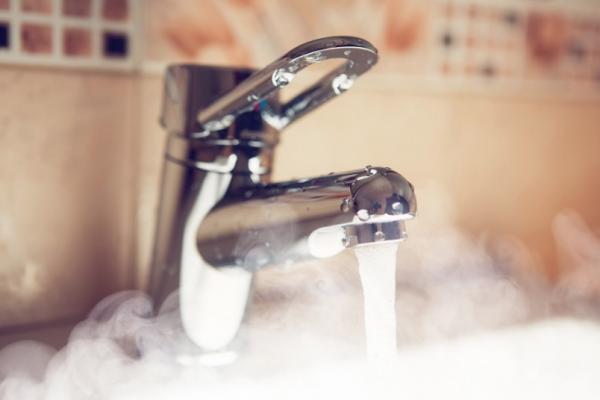 У Львові починають відновлювати подачу гарячої води: Дати та адреси