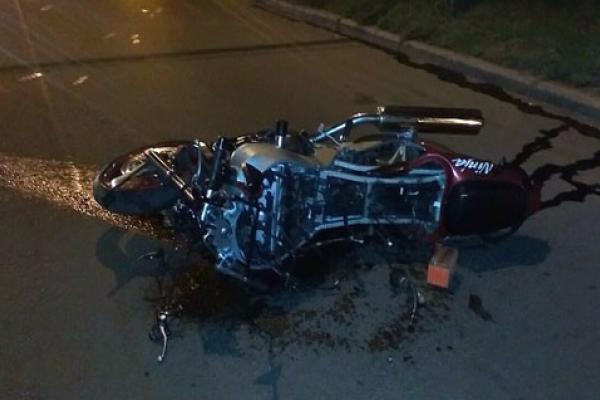 У ДТП на Львівщині розбився мотоцикл та постраждали його неповнолітні водій та пасажир