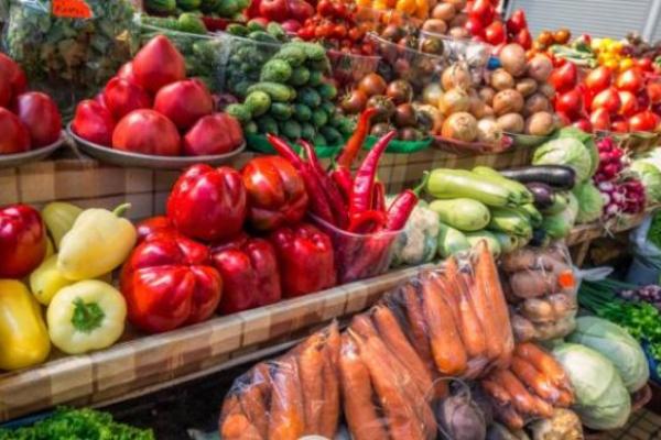 На площі Ринок у Львові відкривають фермерський ярмарок