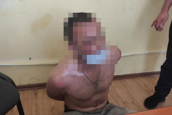 Кидався камінням у людей і машини: у Львові затримали неадеквата