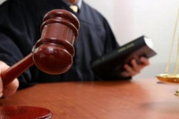 Адвокату, який з початку літа ухилявся від явки до суду, обрали запобіжний захід у Львові
