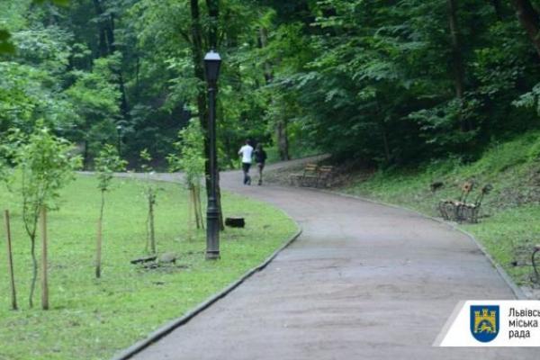 Львівські парки оброблятимуть від кліщів. Графік