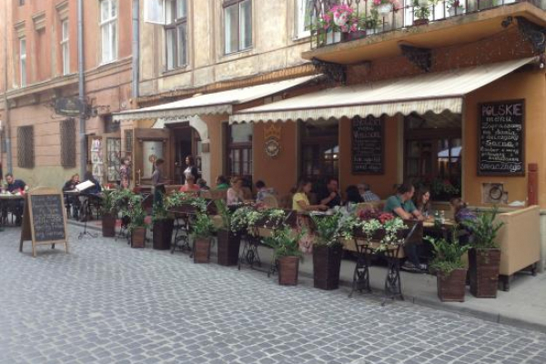 У Львові продовжили термін дії літніх майданчиків