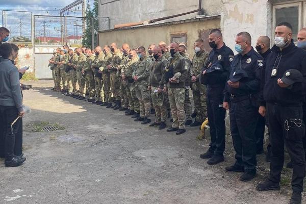 Поліцейські Львівщини вирушили на схід України для несення служби у зоні ООС