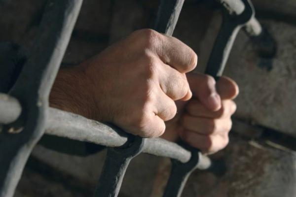Двох чоловіків та жінку судитимуть за розбійний напад на 46-річного львів'янина в його ж оселі