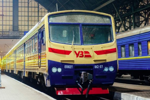 Поїзд Червоноград-Ковель змінив маршрут та розклад