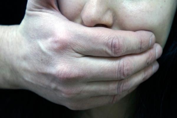 На Львівщині невідомий намагався зґвалтувати жінку