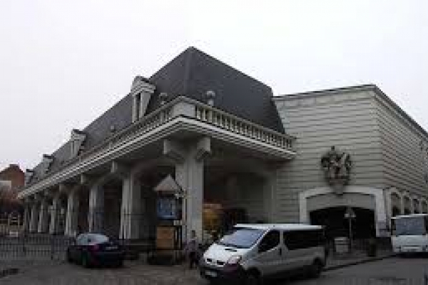 Львівська обласна прокуратура скасувала у суді незаконну передачу в оренду арт-майданчика у історичному центрі міста