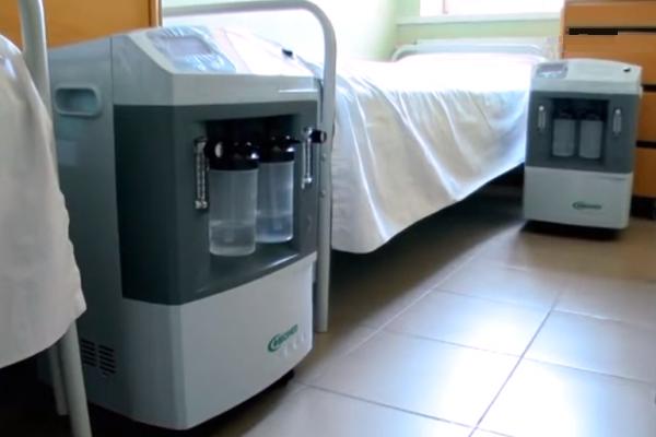 З початку осені «ковідні» лікарні Львівщини замовили майже 90 кисневих концентраторів