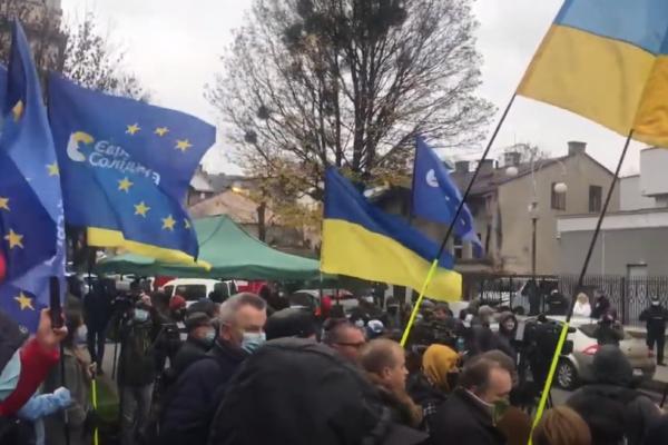 У Львові на суд над Фединою та Звіробій знову не впустили журналістів
