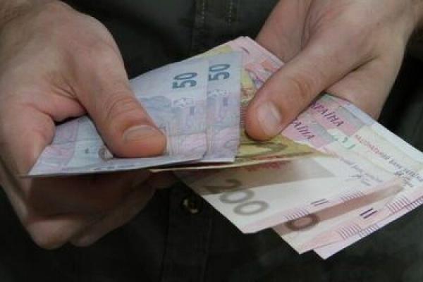 Прокурори домоглися покарання для шахрая, який обманом відбирав гроші у пенсіонерів