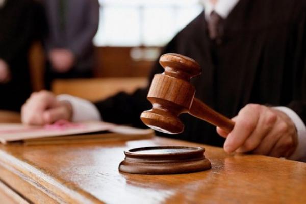 Працівника однієї з міськрад Львівщини судитимуть за шахрайство