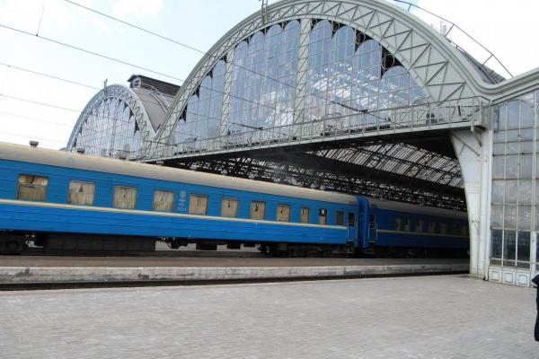 Махінації посадовців «Львівської залізниці»: під процесуальним керівництвом обласної прокуратури тривають слідчі дії
