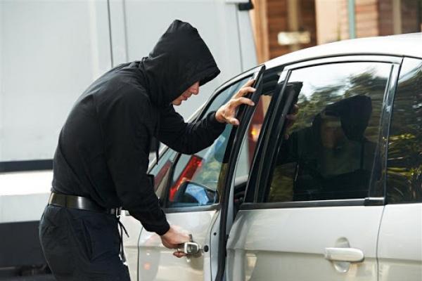 Понад 5 років ув'язнення: на Львівщині чоловік отримав вирок за крадіжку авто