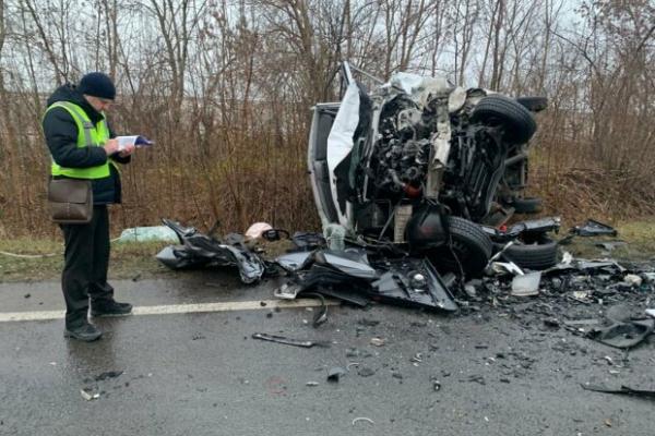 Смертельна ДТП на Львівщині: зіткнулися Audi та Mercedes (Фото)