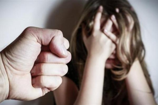 Батька засудили за зґвалтування малолітньої доньки