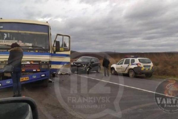 На Львівщині рейсовий автобус з Івано-Франківська потрапив в аварію