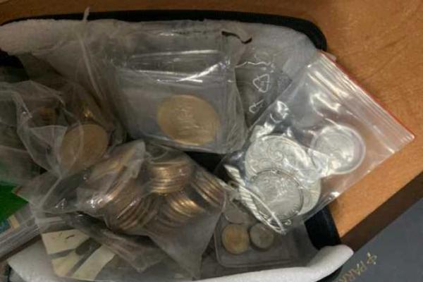 На кордоні з Польщею виявили понад 4,5 тисячі монет та банкнот