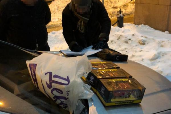 Експравоохоронець зі Львова перевозив у дитячих іграшках кокаїн (Фото)