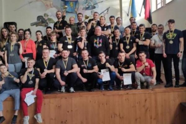 Понад 150 осіб змагались за титул чемпіона Львівщини з армспорту